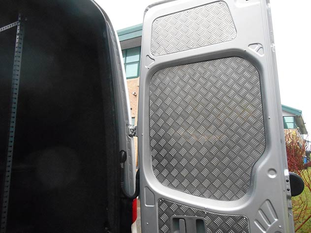 Mercedes Benz Sprinter - Camper | Anti-drill Armaplate rear door