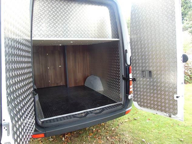 Mercedes Benz Sprinter - Race Van | Full plate checker