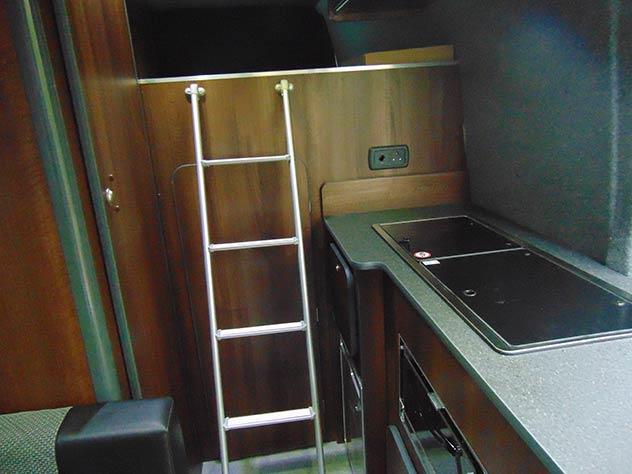 Mercedes Benz Sprinter - Race Van | Toilet