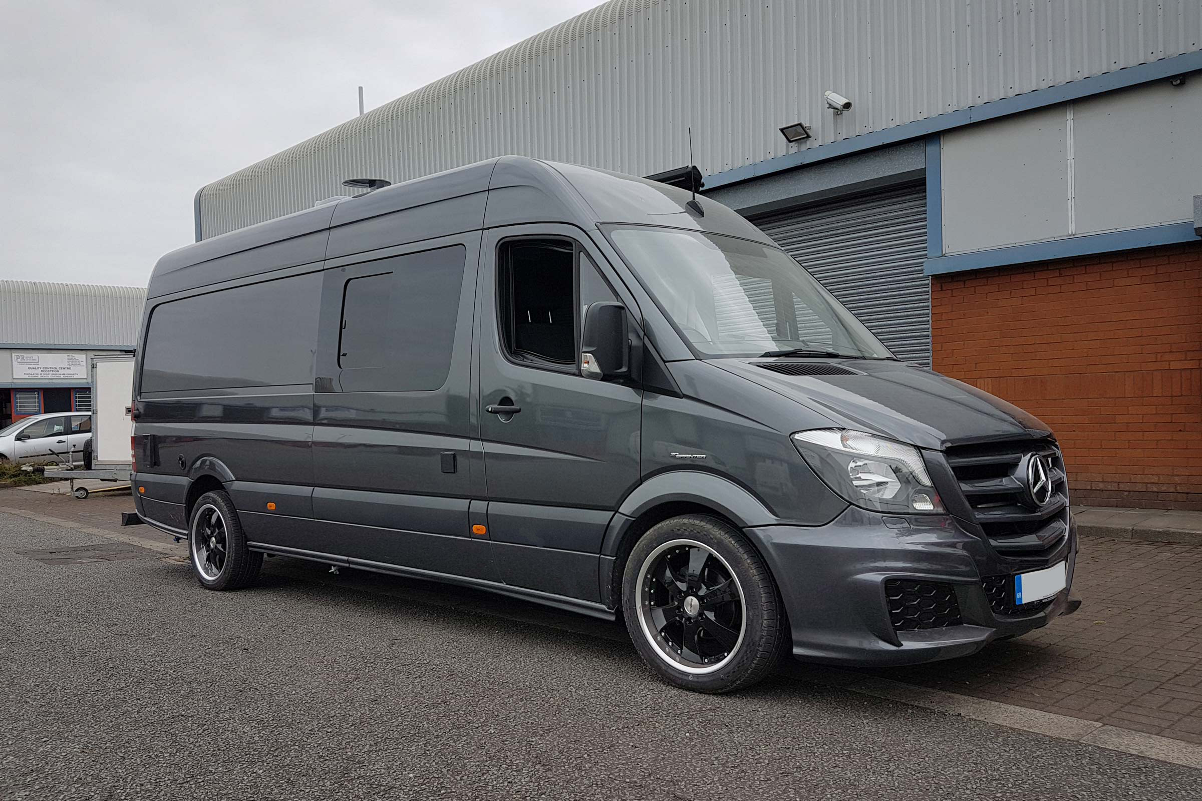Merc Sprinter - Sports Tourer | Safe T bar rear bumper - EXTRA STRONG STEP / BUMPER