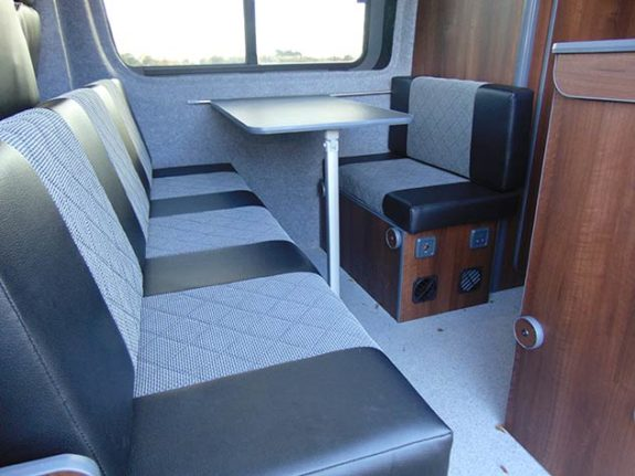 Mercedes Benz Sprinter - Camper | Seating/removable table
