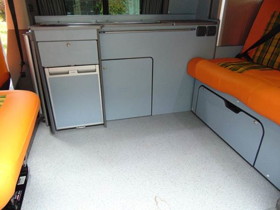 Volkswagen Transporter T5 – Camper Seating/removable table